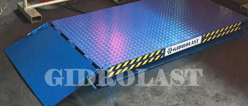 Hydraulic scissor lift tables
